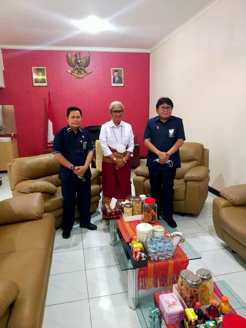 Kunjungan Silaturahmi Ketua Pengadilan Tinggi Kupang dengan Ketua DPRD Provinsi NTT