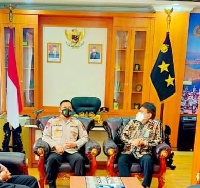 Kunjungan Silaturahmi Ketua Pengadilan Tinggi Kupang dengan Kapolda NTT